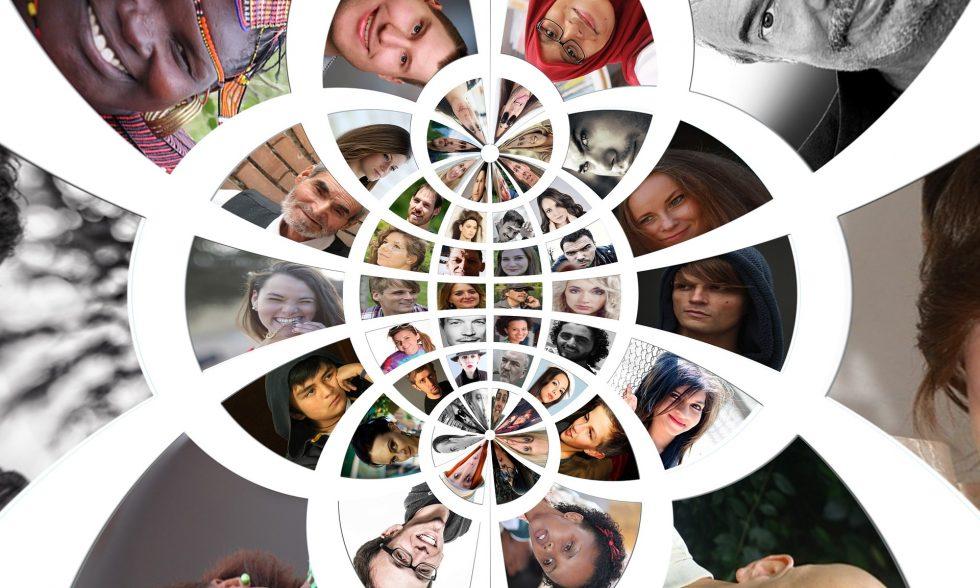 ImageCreative Commons CC0 https://pixabay.com/en/social-networks-faces-photo-album-912808/